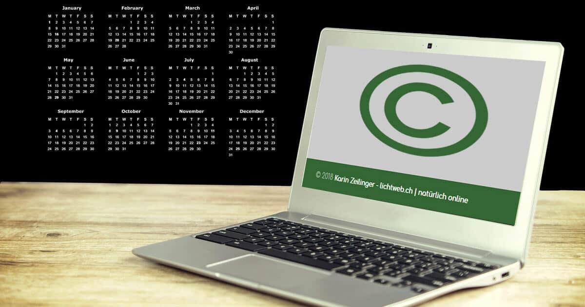 Jahreszahl für Copyright-Angabe im Footer automatisch aktualisieren (Divi)